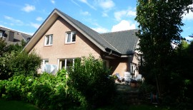 GT- Süd: Top gepflegtes, sehr gut geschnittenes Einfamilien-Wohnhaus mit Parkettboden, 2 Bädern, Vollkeller, Doppelgarage und sonnigem Grundstück zu  für