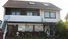 Gepflegtes, älteres 3 Familien-Haus mit Doppelgarage in guter Lage von Verl - RESERVIERT zu  für