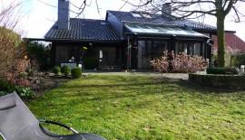 Freistehendes Einfamilien-Haus mit viel Glas, offene Bauweise, Kamin und Wintergarten in Wiedenbrück - St.Vit zu  für